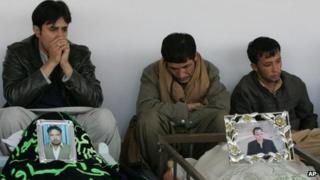 Pakistanis mourn Quetta victims, 11 January