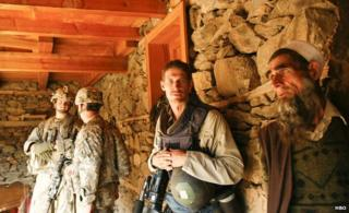 Tim Hetherington in Afghanistan, 2007