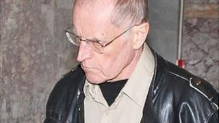 Paul Renouf being taken into court in Veliko Tarnovo in Bulgaria