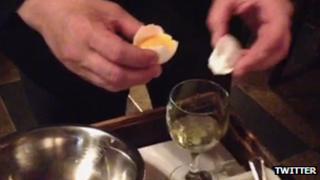 Twitter steak tartare video