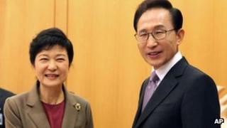 South Korea President-elect Park Geun-hye and President Lee Myung-bak (27 Aug 2012)