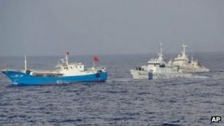 Japanese coastguard vessels approach Chinese fishing boat - 2 February