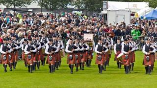 Strathclyde Police Pipe Band will choose a new name