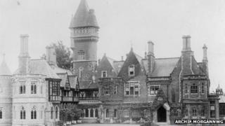 Cwrt Insole yn 1899
