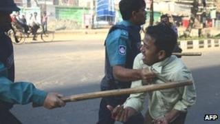 Police suspected Jamaat-e-Islami supporter in Dhaka - 6 February