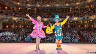 Cilla Fisher and Arty Tresize take their last bow as members of the Singing Kettle
