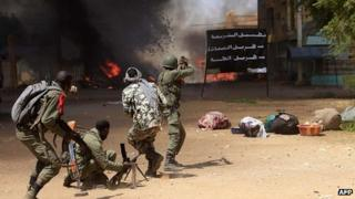 Malian troops fighting in Gao. 21 Feb 2012