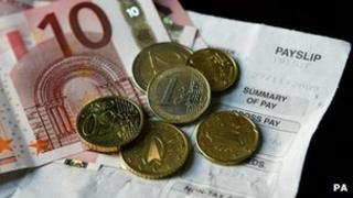 euros and a payslip
