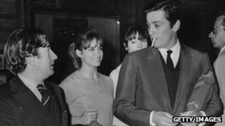 Willy Rizzo (l) with Natalie Delon, Elsa Martinelli and Alain Delon in 1965