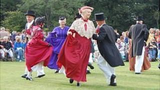 Dancers perform at the 2011 Viaer Marchi