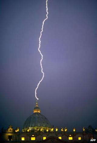 St Peter's Basilica hit by lightning