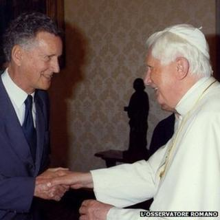 David Willey meets Pope Benedict XVI in 2009