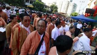NLD members queue to enter the congress in Rangoon, Burma (8 March 2013)
