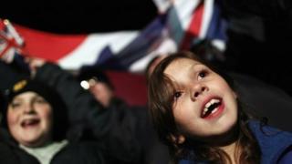 Falkland islanders celebrate referendum result