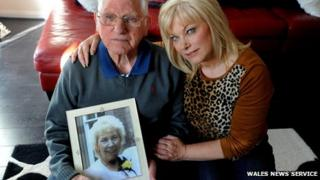 Eric and Avril Ward with picture of Valerie