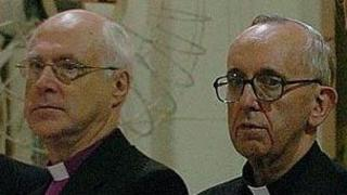 Bishop Gregory Venables (l) and Cardinal Jorge Bergoglio