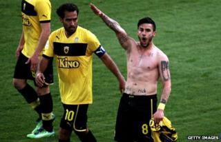 Giorgos Katidis celebrating a goal