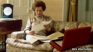 Margaret Thatcher reading notes at Number 10