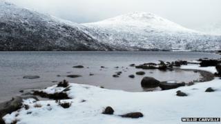 Snow around Spelga dam