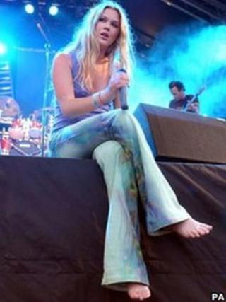 Joss Stone at the 2004 Glastonbury Festival. Pic: PA