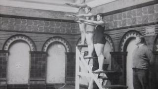 Diving at Medina baths