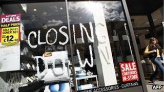 Closing down notice in shop window