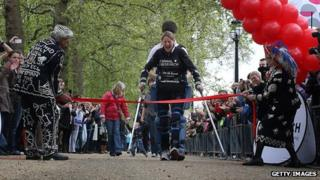 Claire Lomas completing the 2012 London Marathon