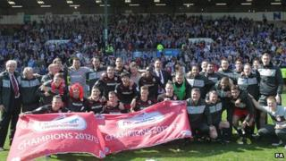 Cardiff City celebrate at Burnley