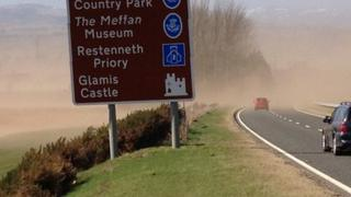 A sandstorm affects visibility on the A90 near Forfar