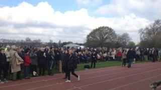 Crowds building in Barnes ahead of anti-expansion rally