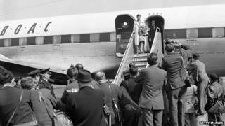 Margot Fonteyn exits BOAC plane on her return from Panama