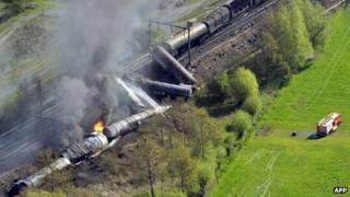 Aerial picture of derailed freight train on a track near Schellebelle, 4 May 2013
