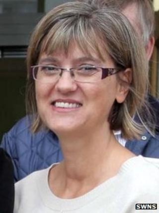 Isabelle Barrett