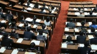 Japan's Upper House members approve the international treaty Hague Convention after an unanimous vote at the National Diet in Tokyo on 22 May 2013