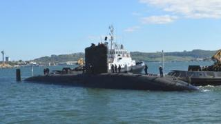 HMS Trenchant preparing to dock