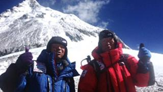 An incredible 80-year-old man has become to oldest person to climb Mount Everest!