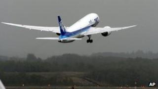 ANA 787 takes off from Sapporo