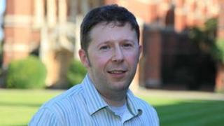 Dr David Willis
