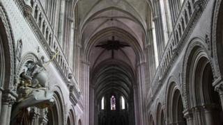 Bayeux Cathedral - interior