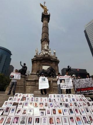 Mothers of Mexican disappeared protest, 10 May 13