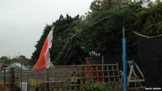 Light aircraft crash-lands in Cheltenham garden