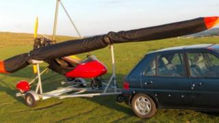 Microlight and trailer