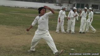 Kiran Irshad bowling at the MCC