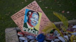 Get-well card outside the house of former President Nelson Mandela (10 June 2013)