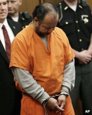 Ariel Castro pleads not guilty to rape and kidnap