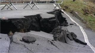 A4183 Oxford Road collapse
