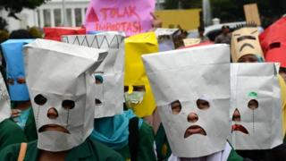 Students protest the fuel price hike in Jakarta