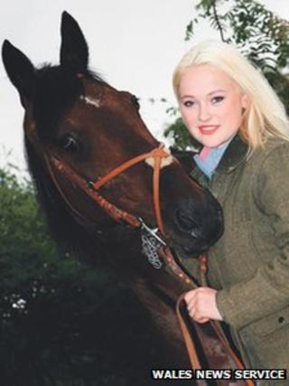 Alix Davies and her horse, Scott