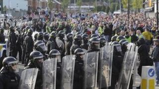 Police lines in Ardoyne on 12 July 2012
