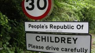 Childrey road sign